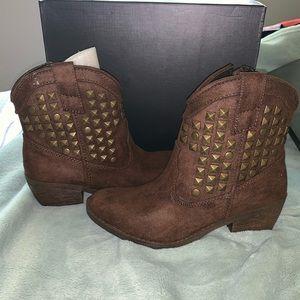 JustFab Shoes - JustFab suede brown cowboy booties